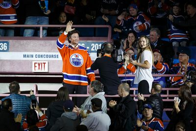 Former Oiler Mike Krushelnyski is saluted by the crowd during the second period of a NHL game between the Edmonton Oilers and the San Jose Sharks at Rexall Place in Edmonton, Alta. on Wednesday December 9, 2015. Ian Kucerak/Edmonton Sun/Postmedia Network