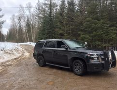 Almaguin Highlands OPP secure the scene of a triple murder-suicide on Starratt Road in Ryerson Township, about 100 kilometres south of North Bay. Photo/OPP Twitter