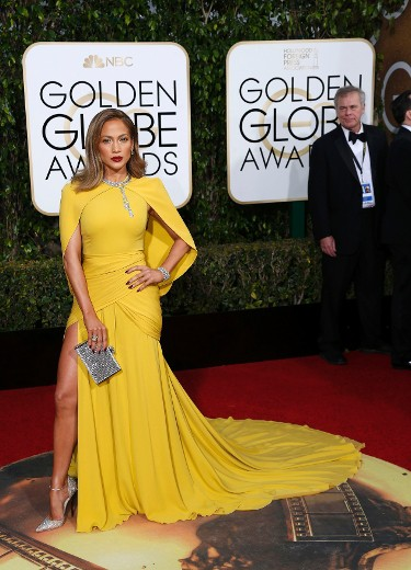 Actress Jennifer Lopez arrives at the 73rd Golden Globe Awards in Beverly Hills, California January 10, 2016.  REUTERS/Mario Anzuoni