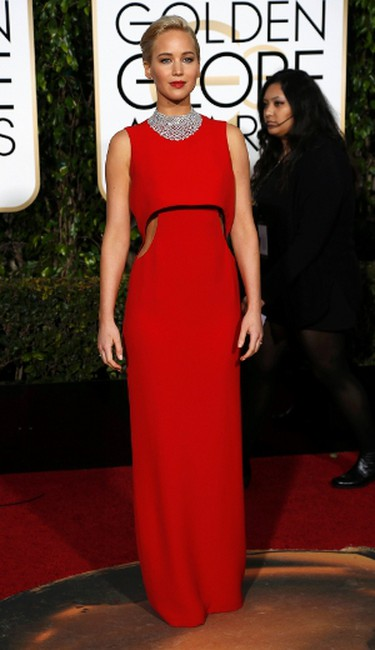 Actress Jennifer Lawrence arrives at the 73rd Golden Globe Awards in Beverly Hills, California January 10, 2016.  REUTERS/Mario Anzuoni