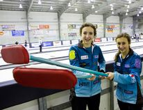 Sisters Mackenzie Zacharias (16) and her sister, Emily (14), are members of the youngest curling team (Zacharias) at the Scotties Tournament of Hearts taking place in Beausejour, Man., from Jan. 20 to 24, 2016. (Brook Jones/Selkirk Journal/Postmedia Network)