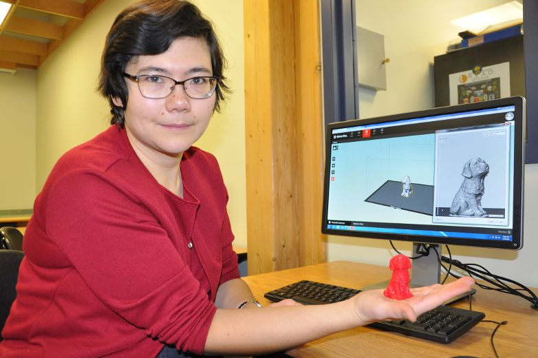 Karina Douglas, the reference librarian at the Timmins Public Library, has been busy teaching people in the city how to operate the MakerBot 3D printer. The printer arrived at the library back in October and has recently become available for public use.