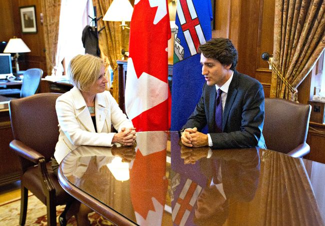 Prime Minister Justin Trudeau and Alberta Premier Rachel Notley meet in Edmonton Alta, on Wednesday February 3, 2016. THE CANADIAN PRESS/Jason Franson