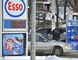 Motorists in Barrie were greeted with a nice drop in the price at the pumps, Thursday. Mark Wanzel/Barrie Examiner/Postmedia Network