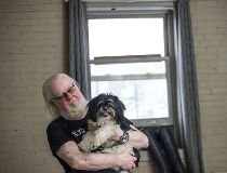 Volunteer vets helping low-income pet owners