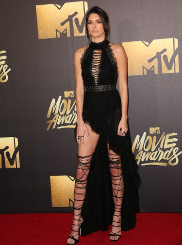 Kendall Jenner arrives at the 2016 MTV Movie Awards in Burbank, California April 9, 2016. (Brian To/WENN.COM)
