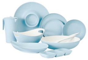 PC Home goods and dishware come in everything from bold colours and prints to neutral tinted clears.