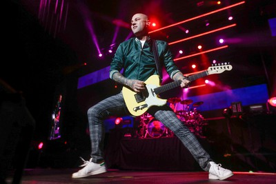 Hedley guitarist Dave Rosin play  the Air Canada Centre on the  HelloWorldTour  in Toronto, Ont. on Friday April 29, 2016. Jack Boland/Toronto Sun/Postmedia Network