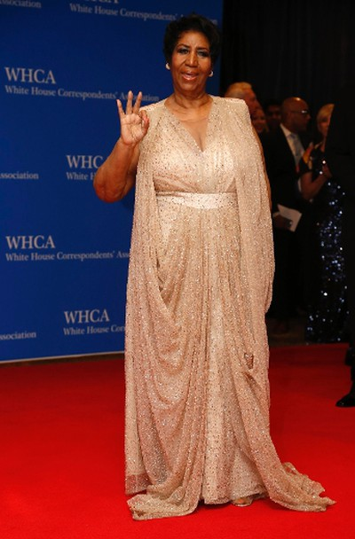 Singer Aretha Franklin arrives on the red carpet for the annual White House Correspondents Association Dinner in Washington, U.S., April 30, 2016. REUTERS/Jonathan Ernst