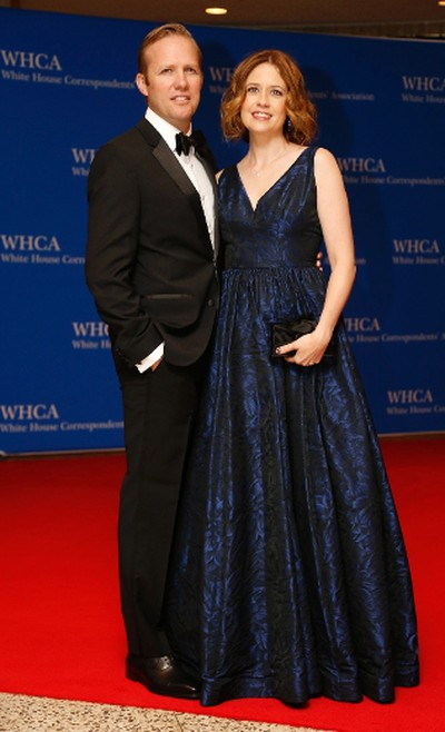Actress Jenna Fischer and husband, Lee Kirk, arrive on the red carpet for the annual White House Correspondents Association Dinner in Washington, U.S., April 30, 2016. REUTERS/Jonathan Ernst
