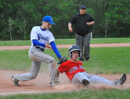 Thanks to some sharp fielding, Simcoe Giants minor bantam third baseman Meagen Crandall tagged out this player from the Pickering Red Sox No. 2 squad during action this weekend at the Simcoe Giants' annual Bantam Tournament. MONTE SONNENBERG / SIMCOE REFORMER