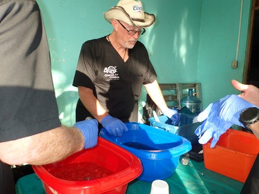 Volunteer Denis Smith works at a sterilization station at a Change for Children clinic in San Andres in Nicaragua's Bosawas Biosphere Reserve in February 2016. (Max Maudie photo)