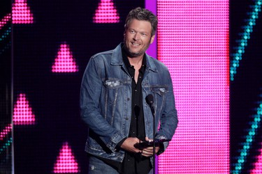 Blake Shelton accepts the award for CMT social superstar at the CMT Music Awards at the Bridgestone Arena on Wednesday, June 8, 2016, in Nashville, Tenn. (Photo by Wade Payne/Invision/AP)