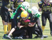 TaraLynn Sargent Photo North Bay Bantam Bulldogs player Chase McLeod (59) had a good kick off return against the Toronto Jets during Ontario Minor Football League action at the Steve Omischl Sports Fields Complex, Saturday. The team improved to 2-2 on the season with a 53-26 win.