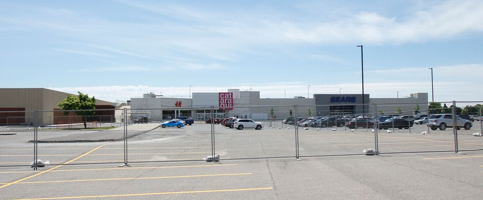Store Lead - Square One Shopping Centre - Full time; Square One Shopping Centre; R; Posted 6 Days Ago; Store Lead - (PT) Champlain Place; R; Cataraqui Town Centre (Seasonal) Cataraqui Town Centre; R; Posted 30+ Days Ago; Sales Associate - Quinte Mall (Seasonal) .