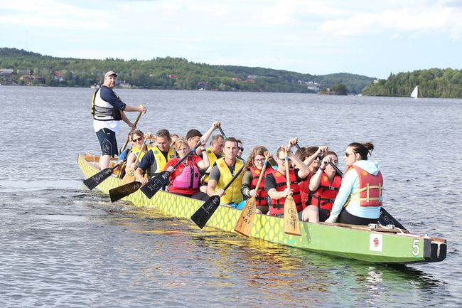 The Royal Bank of Canada dragon boat team gets one last practice in on Thursday evening for this weekend's Dragon Boat Festival. (Gino Donato/Sudbury Star)