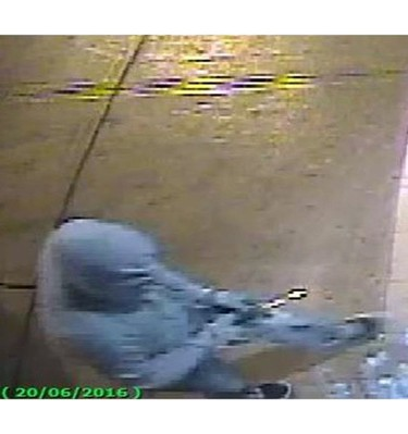 Security camera image of a man wanted in a burglary at Baldwin St. and Kensington Ave. around 3:40 a.m. on July 18, 2016. (Supplied photo/Toronto Police)