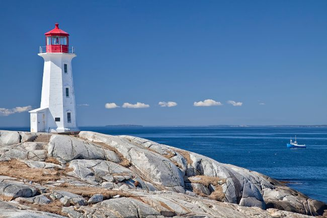 <b>Peggy's Cove, Nova Scotia – </b> Surrounding St. Margaret's Bay and located on Nova Scotia's Bluenose Coast, Peggy's Cove gets you up close to scenic coves, beaches and harbours. Whether you want to whale watch, kayak, golf or scuba dive this area has it all. Not to mention the countless restaurants serving up the local's specialty – lobster. Don't forget to try the mussels or haddock either. (Getty Images)