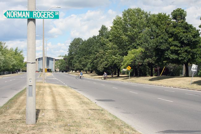 <p>City staff are recommending council pass a motion to lower the speed limit on Sir John A Macdonald Boulevard from 60km/h to 50 km/h between Bath Road and Union Street in Kingston, Ont. on Sunday August 7, 2016. Steph Crosier/Kingston Whig-Standard/Postmedia Network