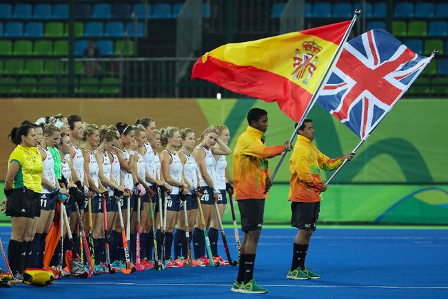 Great Britain stands for the national anthems before the quarterfinal hockey game against Spain on Day 10 of the Rio 2016 Olympic Games at the Olympic Hockey Centre on August 15, 2016 in Rio de Janeiro, Brazil.  (Photo by Christian Petersen/Getty Images)