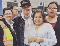 Tragically Hip frontman Gord Downie poses with fans in Northern Ontario. (Catherine Cheechoo/Instagram)