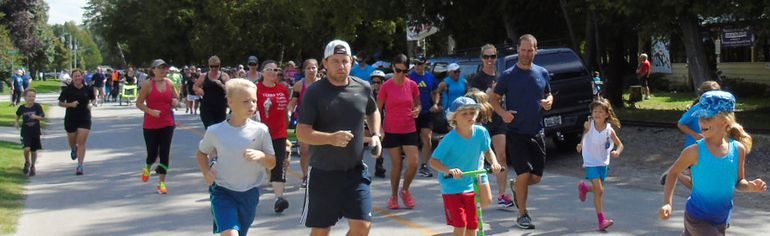 The 140 people who participated in the 35th annual Terry Fox Run in Port Elgin raised $14,000 in pledges and donations at the Sept. 18 event. (Frances Learment/Shoreline Beacon)