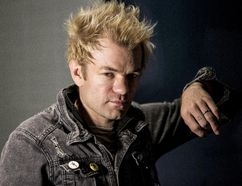 Deryck Whibley singer for the band SUM 41 of in Toronto, Ont. on Friday September 30, 2016. (Craig Robertson/Postmedia Network)