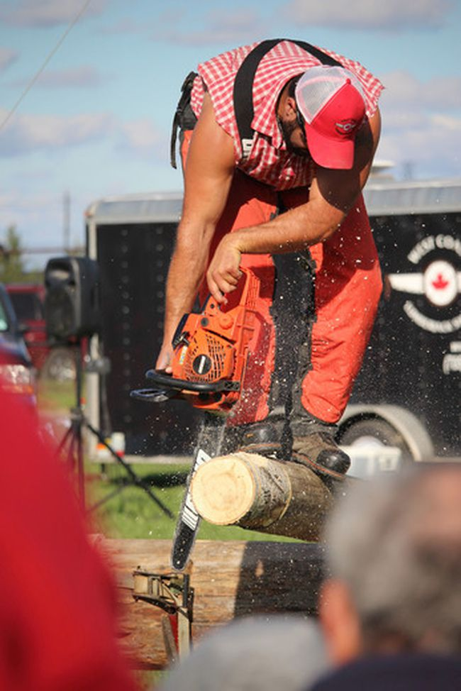 Neil Bowen/Sarnia ObserverThe chips were flying as Steve Hebert, of the Westcoast Lumberjack Show, delighted an audience at the Brigden Fair over the weekend.Photo taken at Brigden, Ontario on Saturday, Oct. 8, 2016NEIL BOWEN/SARNIA OBSERVER/POSTMEDIA NETWORK
