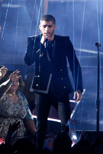 Recording artist Zayn Malik performs onstage at the iHeartRadio Music Awards which broadcasted live on TBS, TNT, AND TRUTV from The Forum on April 3, 2016 in Inglewood, California. (Photo by Rich Polk/Getty Images for iHeartRadio / Turner)