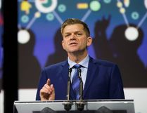 The annual AUMA conference, held in Edmonton from Oct. 5 to 7, featured a wide array of important provincial political figures in attendance, such as Wildrose Party leader Brian Jean. During the convention, the Towns of Whitecourt and Mayerthorpe helped pass a motion for the AUMA to support the Northern Gateway Pipeline.