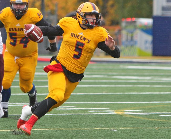 Queen's Golden Gaels quarterback Nate Hobbs threw for a career-best 486 yards in a 54-10 Ontario University Athletics football victory over the Windsor Lancers on Saturday, Sept. 30, 2017. (Steph Crosier/Whig-Standard file photo)