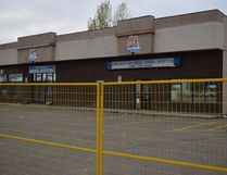 The Wood Buffalo Small Animal Hospital in Thickwood, closed after a Sept. 10 fire next door caused extensive smoke damage to the building, on Saturday, Oct. 8, 2016. Cullen Bird/Fort McMurray Today/Postmedia Network
