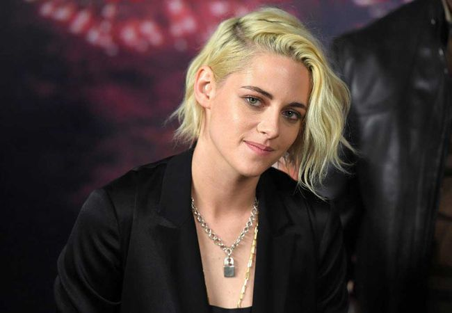 """Actress Kristen Stewart attends the """"Billy Lynn's Long Halftime Walk"""" photo call on October 15, 2016 in New York City. / AFP PHOTO / ANGELA WEISSANGELA WEISS/AFP/Getty Images"""