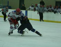 The Leduc Chrysler midget AAA Oil Kings dropped back-to-back contests last weekend down south. Leduc first fell 3-1 to the (3-10-2) Lethbridge Hurricanes on Saturday, Nov. 19 and then lost 5-4 to the (10-3-3) Calgary Royals on Sunday, Nov. 20. File Photo