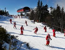 Skiing Santas hit the slopes_1