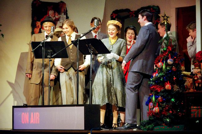 "Actors voice the radio play classic ""It's a Wonderful Life"" at the Kenmor Theatre Dec. 10-11. (Alexis Stockford/The Morden Times)"