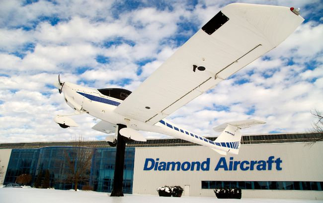 Diamond Aircraft has a manufacturing facility in London, Ont. (MIKE HENSEN, The London Free Press)