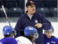New Chatham Maroons head coach Ron Horvat speaks to the London Nationals during a practice in the 2007-08 season. (DEREK RUTTAN/Postmedia Network File Photo)