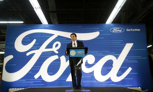 Ford President and CEO Mark Fields addresses the Flat Rock Assembly Tuesday, Jan. 3, 2017, in Flat Rock, Mich. Ford is cancelling plans to build a new $1.6 billion factory in Mexico and will invest $700 million in a Michigan plant to build new electric and autonomous vehicles. The factory will get 700 new jobs. (AP Photo/Carlos Osorio)