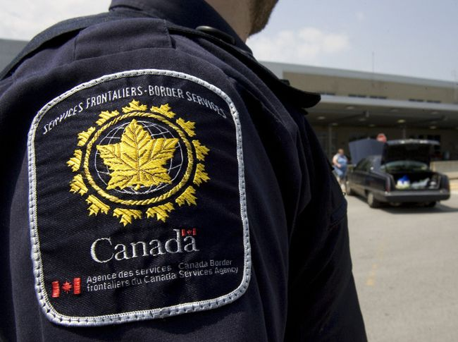 A border agent stands at the St-Bernard-de-Lacolle crossing.