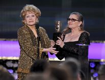 Carrie Fisher (right) and Debbie Reynolds (HANDOUT/PHOTO)