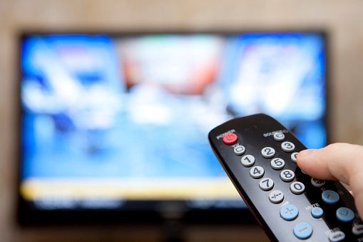 More Canadians cutting the cord; TV subscriptions drop by 247,000, report says