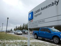 Workers stream out of the CAMI plant in Ingersol which has just been hit with a notice of permanent layoff of 600 workers by GM which is moving production of one of their vehicles to Mexico. The CAMI plant produces the Equinox and the Terrain, photo was taken on Friday January 27, 2017. (MIKE HENSEN, The London Free Press)