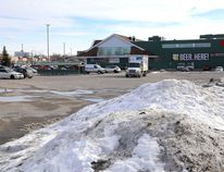 A view of the Kingston Centre parking lot just north of the Loblaws store.( Ian MacAlpine/The Whig-Standard)
