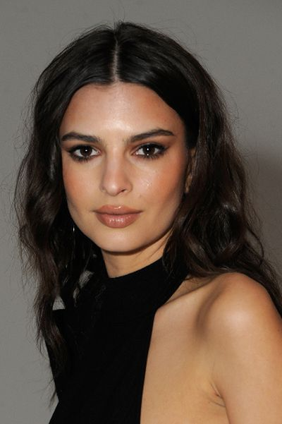 Model Emily Ratajkowski attends Etihad Airways Toasts New York Fashion Week 2017 at Skylight Clarkson Sq on February 9, 2017 in New York City.  (Photo by Rabbani and Solimene Photography/Getty Images for IMG Fashion)