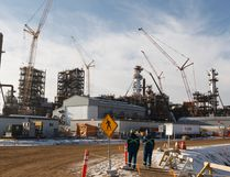 The North West Redwater Partnership's Sturgeon Refinery is seen west of Fort Saskatchewan in 2016. The combination of close industrial jobs, along with the Fort's quality of life is why people flock to the Fort, Mayor Gale Katchur said. (Postmedia Network file photo)