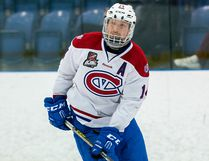 Kingston Voyageurs forward Danny Bosio scored his 26th goal of the season and adding an assist as the Vees dropped a 5-2 decision to the Stouffville Spirit in an Ontario Junior Hockey League game Saturday in Stouffville.