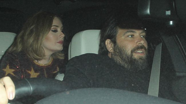 "Adele and Simon Konecki. (<a href=""http://www.wenn.com"" target=""_blank"">WENN.com</a> Photo)"