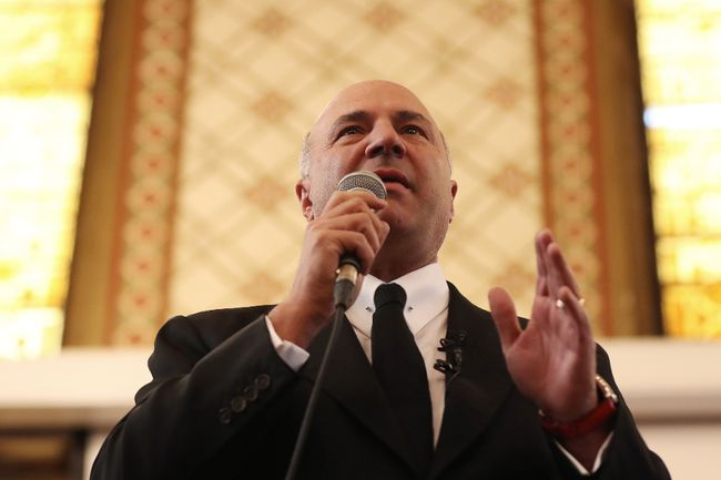 Conservative leadership candidate Kevin O'Leary speaks at Queen's University, in Kingston, Ont. on March 16, 2017. THE CANADIAN PRESS/Lars Hagberg