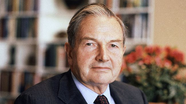 In this April 31, 1981, file photo, David Rockefeller poses for a photograph. (AP Photo/D. Pickoff, File)
